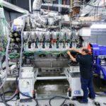 Die weiterentwickelten MTU-Dieselmotoren der Baureihe 4000 für Marine haben bereits über 4.000 Stunden erfolgreich auf den MTU-Prüfständen absolviert. Mitsamt der MTU-SCR-Anlage erfüllen sie IMO III- und EPA Tier 4-Abgasnormen.  MTU's evolved Series 4000 units for marine applications have successfully completed over 4,000 hours at the MTU test stands.  Equipped with MTU's SCR system, they are also compliant with IMO III and EPA Tier 4 regulations.